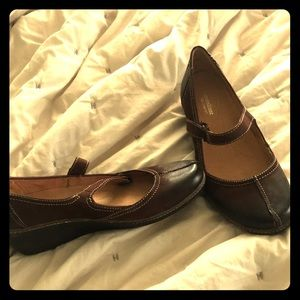 Brown Leather Mary Jane shoes